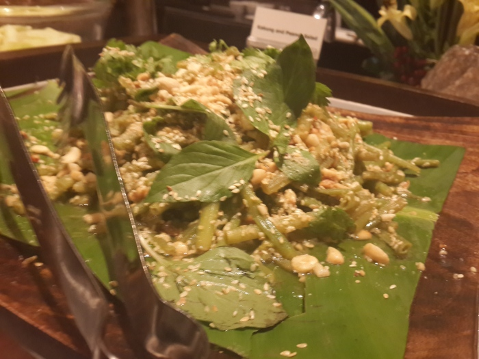 Kakung & Peanut Salad