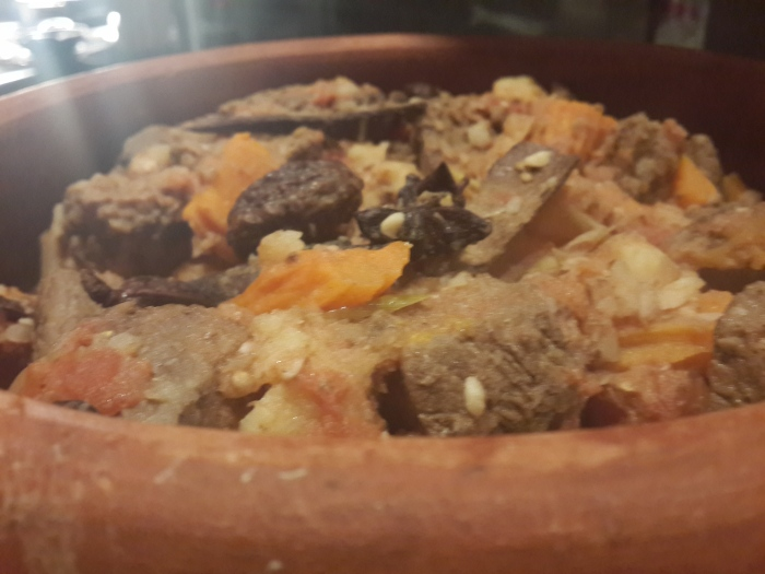 Braised Beef with Tomato Sauce