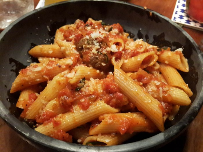 Meatball and Pasta in Tomato sauce