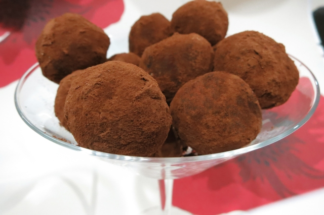 Chocolate Cream Cheese Truffles 2